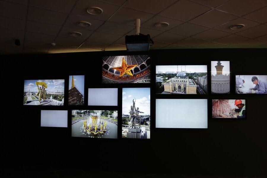 Музей ВДНХ, медиа-экраны
