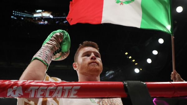 Боксер Сауль Альварес (Мексика)