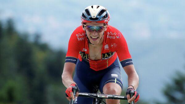 Велогонщик из команды Bahrain Merida Дилан Тёнс (Бельгия)