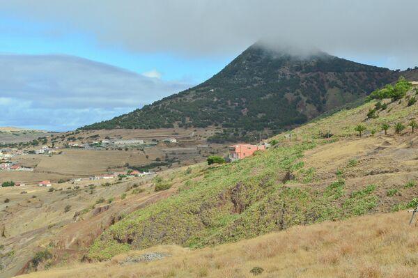 Природа острова Порту-Санту, входящего в архипелаг Мадейра