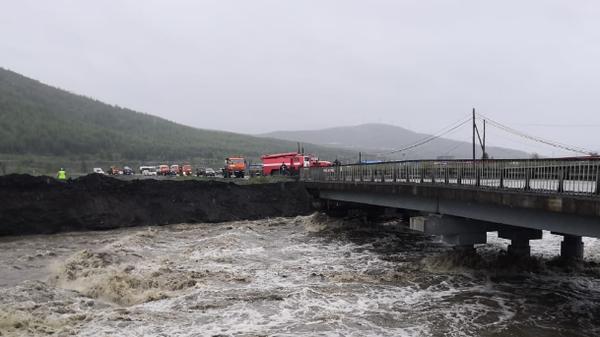 Размытие дорог в Магаданской области в результате паводков