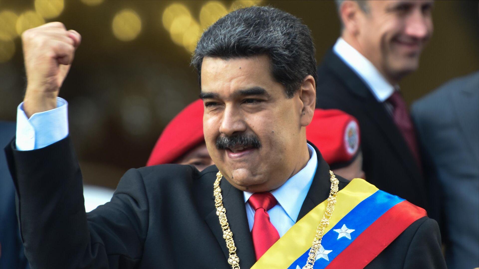 Президент Венесуэлы Николас Мадуро во время акции протеста против санкционной политики США на одной из улиц Каракаса - РИА Новости, 1920, 25.02.2021