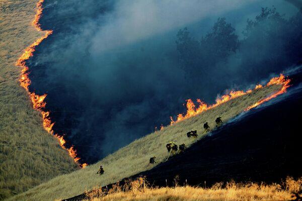 Тушение пожара в Калифорнии