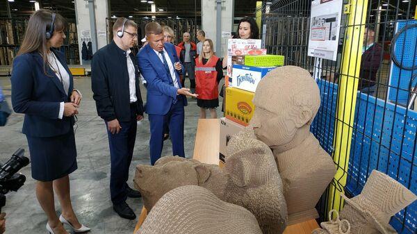 Глава Челябинской области Алексей Текслер с рабочим визитом на фабрику Южуралкартон