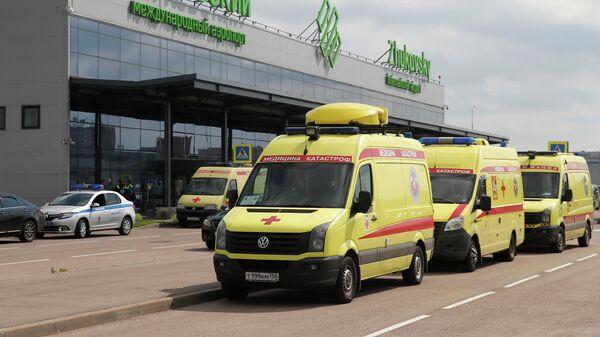 Автомобили скорой помощи в аэропорту Жуковский