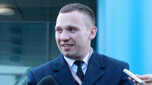Старший бортпроводник аварийно севшего в поле лайнера Airbus А321 авиакомпании Уральские авиалинии Дмитрий Ивлицкий