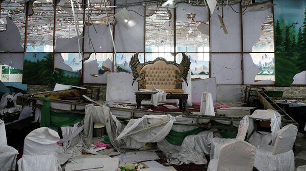 На месте взрыва в одном из свадебных залов в Кабуле, Афганистан. 17 августа 2019