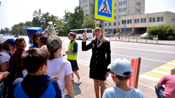 Госавтоинспекция: родители должны учить детей правилам поведения на дороге