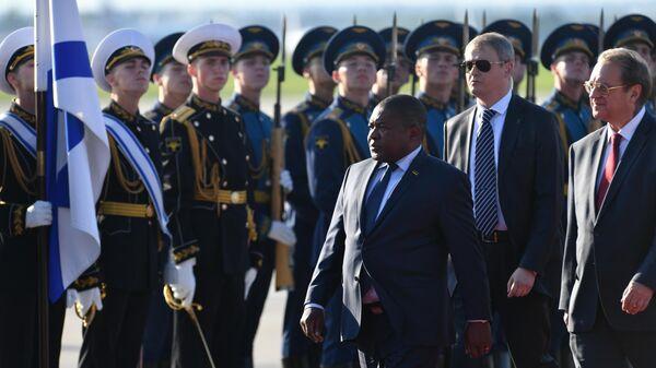 Президент Мозамбика Филипе Жасинто Ньюси в аэропорту Внуково-2