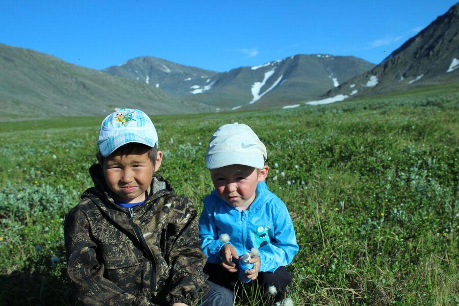 Дети оленеводов. Приполярный Урал