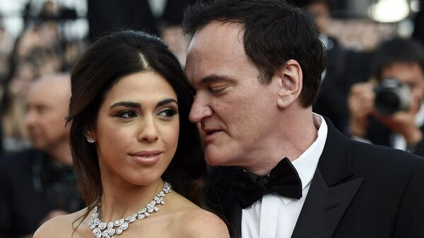Режиссер Квентин Тарантино и его супруга, израильская певица и модель Даниэла Пик