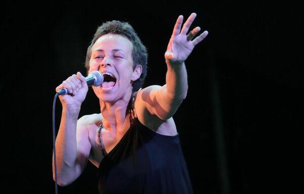 Певица Юлия Чичерина (Россия) во время выступления на 17-м международном музыкальном фестивале Koktebel Jazz Party в Крыму