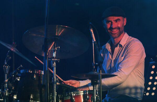 Музыкант Павел Тимофеев во время выступления на 17-м международном музыкальном фестивале Koktebel Jazz Party в Крыму