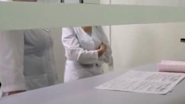 СМИ: в Тюмени врачи отказали в помощи девушке из-за скорого окончания смены