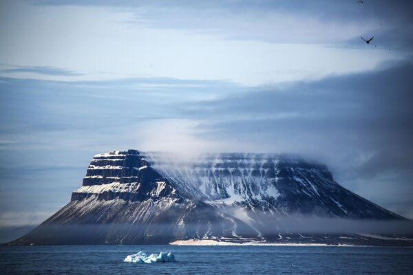 Один из островов в составе архипелага Земля Франца-Иосифа