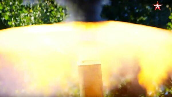 Стрельба из 240-миллиметрового миномета Тюльпан