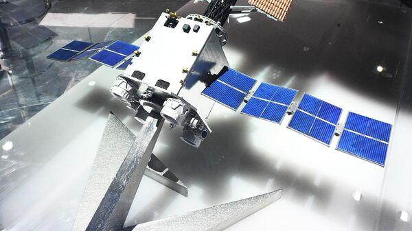 Макет транспортно-энергетического модуля (ТЭМ), представленный на Международном авиационно-космическом салоне МАКС-2019