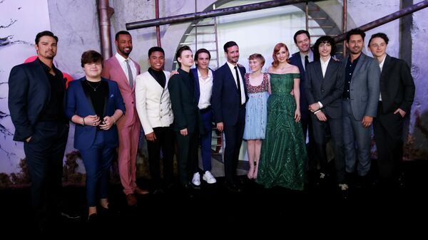 Актеры фильма Оно 2 на премьере фильма в Лос-Анжелесе
