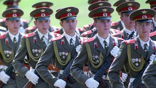 Проводы последних подразделений Западной группы войск Вооруженных сил России. Торжественный марш в Берлине