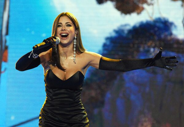 Певица Ани Лорак выступает на юбилейном вечере Народного Артиста России Игоря Крутого в Сочи