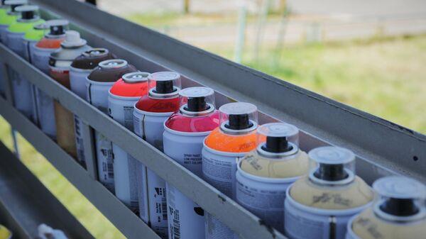Стрит-арт фестиваль URBAN MORPHOGENESI. Баллоны с краской