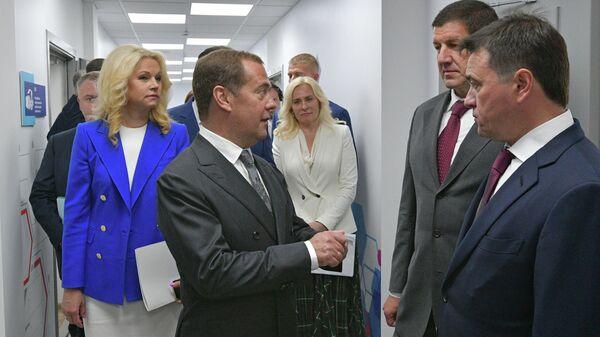 Премьер-министр России Дмитрий Медведев посетил IT-колледж Ростелекома