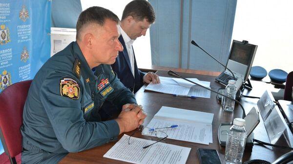 Глава МЧС России Евгений Зиничев проводит совещание по ЧС в Хабаровском крае