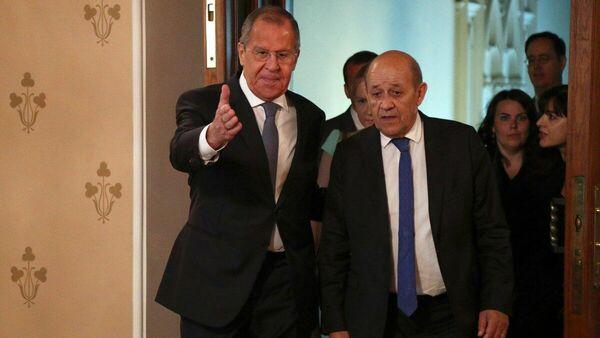 Министр иностранных дел РФ Сергей Лавров и министр Европы и иностранных дел Франции Жан-Ив ле Дриан в Москве