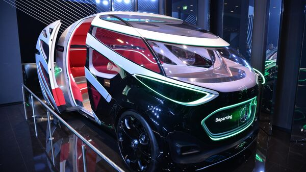 Автомобиль Mercedes-Benz Vision Urbanetic на международном автомобильном салоне во Франкфурте