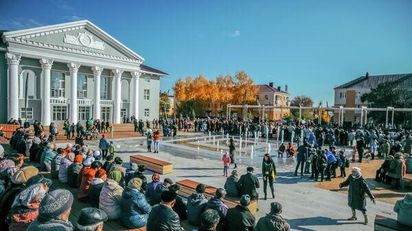 Площадь Октября, город Бавлы (22 тысячи жителей)