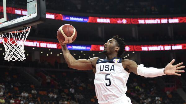 Баскетболист сборной США Донован Митчелл