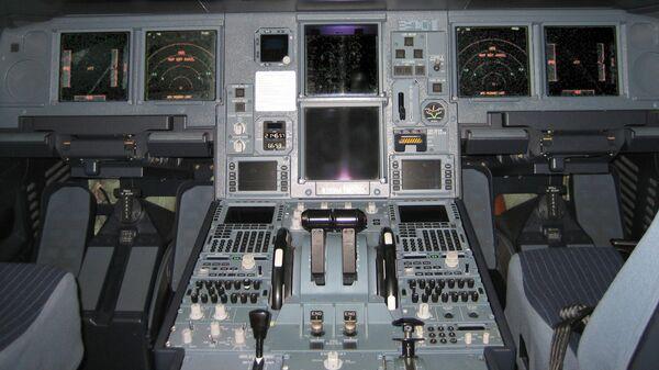 Кабина пилотов самолета Airbus A330