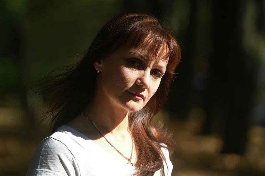 Надежда Михайлова на улице