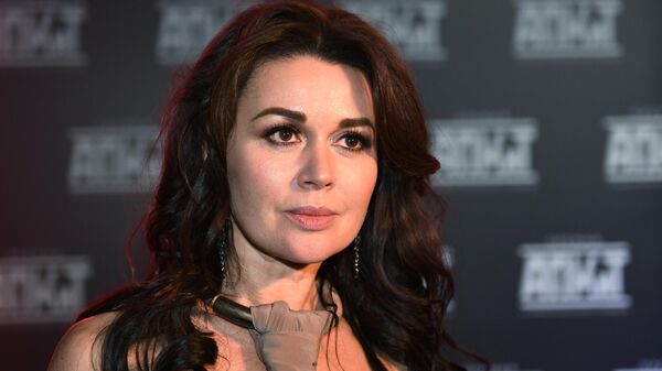 Актриса Анастасия Заворотнюк на церемонии вручения V Премии Ассоциации продюсеров кино и телевидения в Москве
