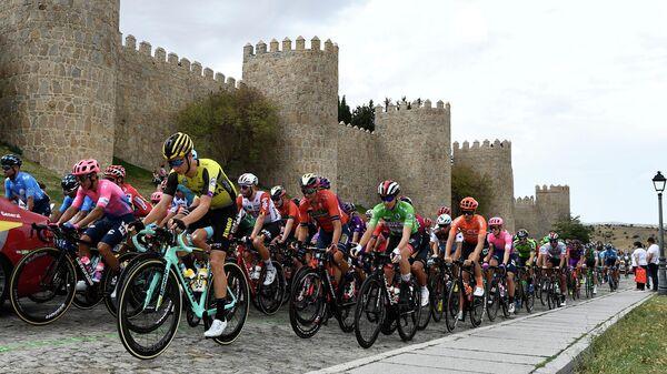 Гонщики во время этапа Вуэльты