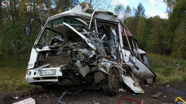 Столкновение фуры с пассажирским автобусом под Ярославлем. 14 сентября 2019
