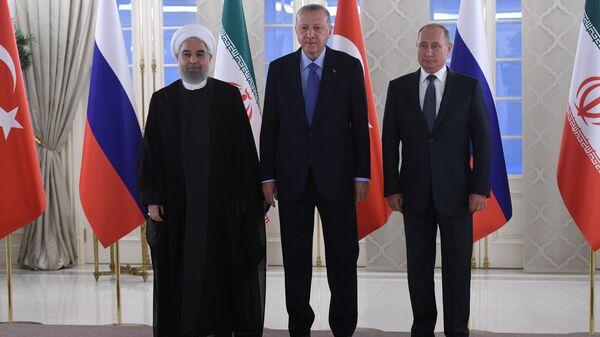 Президент РФ Владимир Путин, президент Турции Реджеп Тайип Эрдоган и президент Ирана Хасан Рухани. 16 сентября 2019