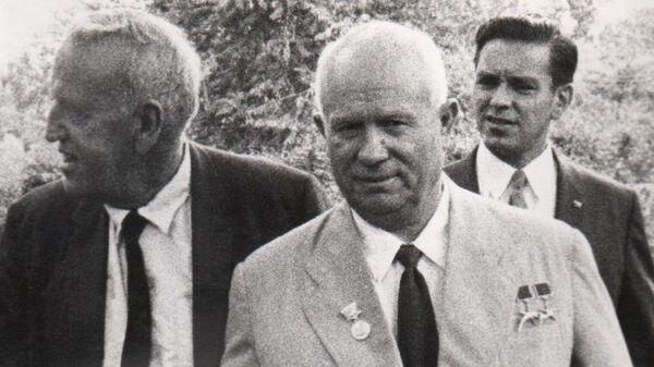 Никита Хрущев и Росуэлл Гарст на ферме последнего в сентябре 1959 года