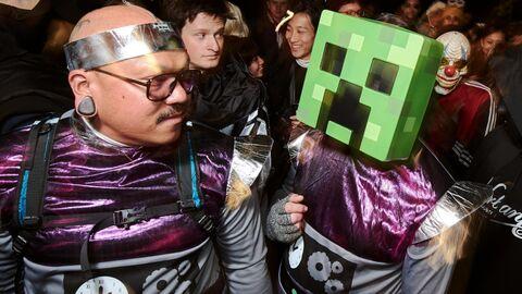 Парад по случаю Хэллоуина в Нью-Йорке