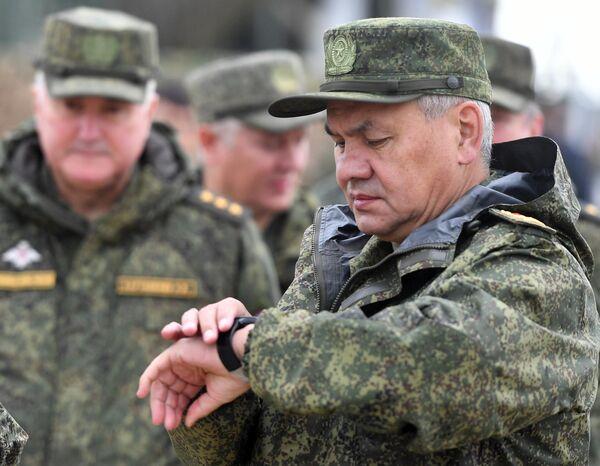 Министр обороны РФ Сергей Шойгу на полигоне Донгуз, где проходит основной этап стратегического командно-штабного учения Центр-2019