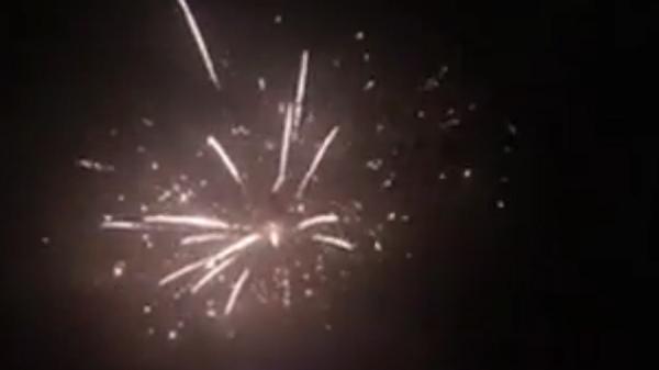 Горящую фуру с пиротехникой сняли на видео под Комсомольском-на-Амуре