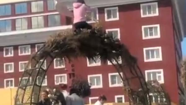 В Ставрополе разгромили арт-объекты, установленные на День города