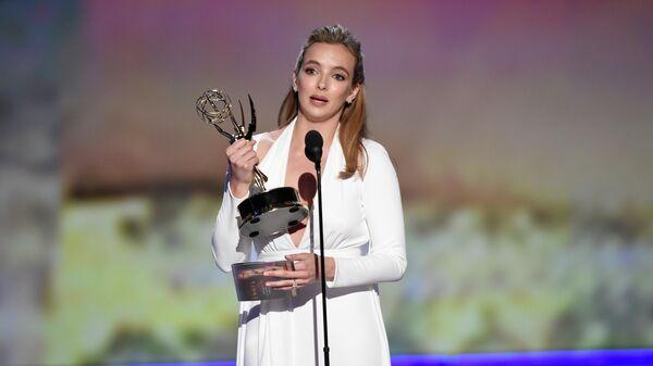Джоди Комер завоевала награду телеакадемии США Emmy за лучшую женскую роль в драматическом сериале Убивая Еву