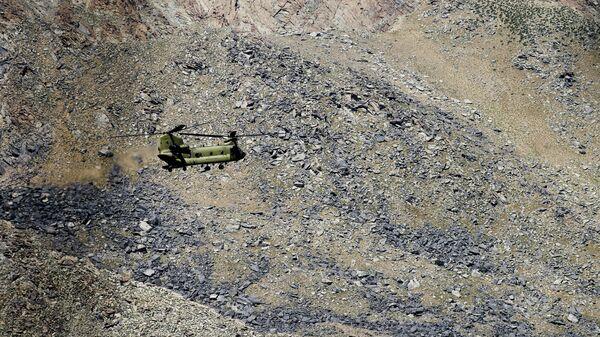 Американский военный вертолет CH-47 Chinook в Афганистане