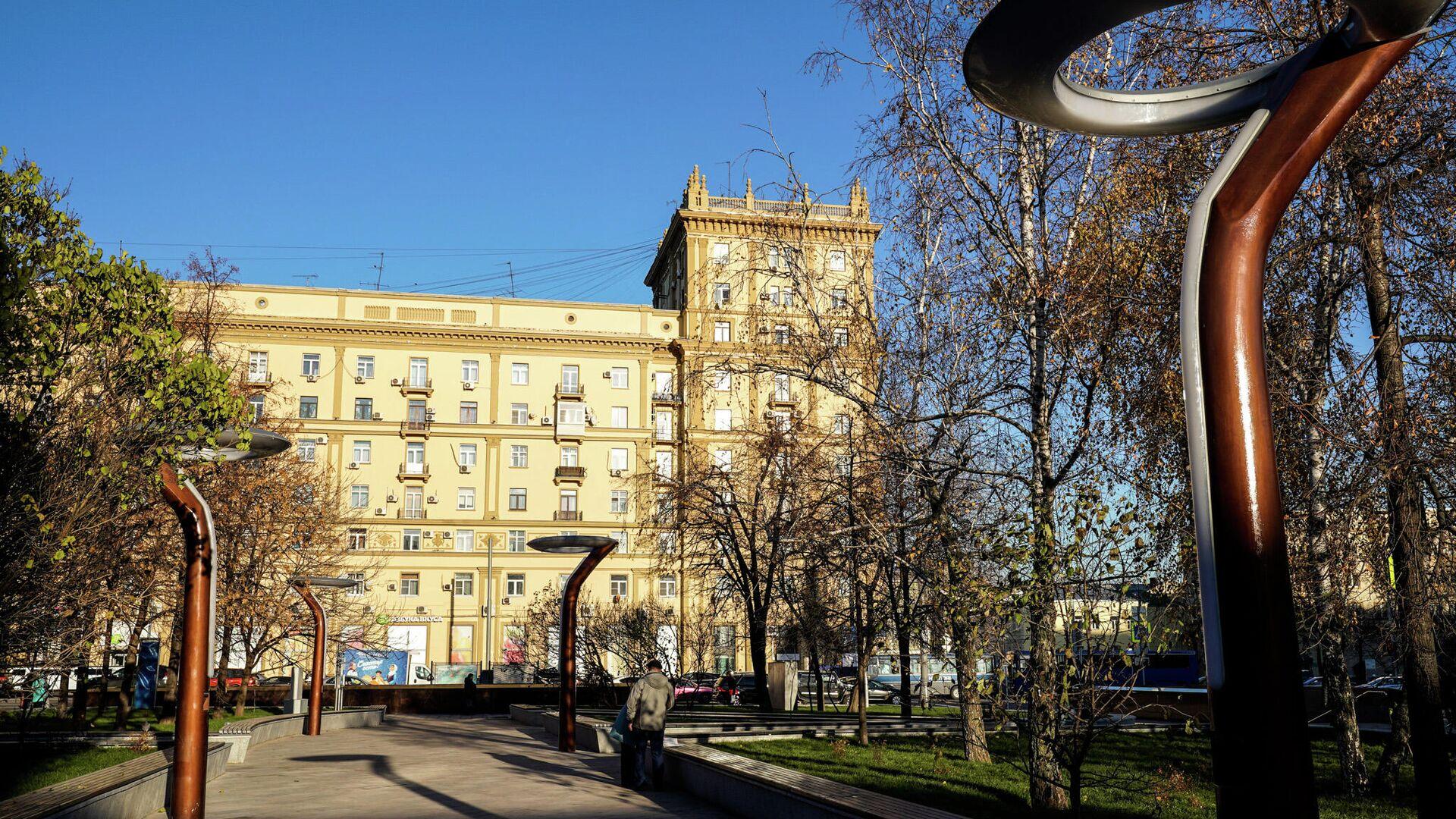 Фонари на площади Цезаря Куникова в Москве - РИА Новости, 1920, 23.10.2020