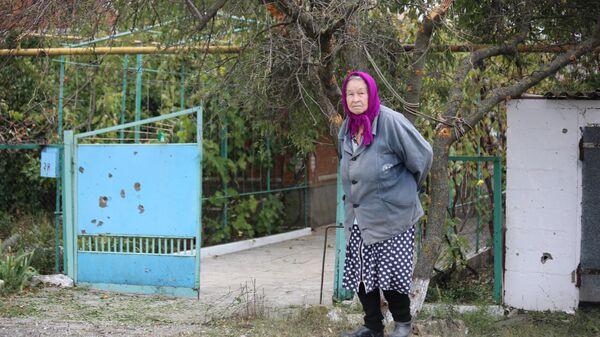 Жительница поселка Октябрь Донецкой области, чей дом попал под артобстрел в ночь с 22 на 23 сентября