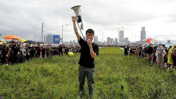 Член законодательного собрания Гонконга от Демократической партии Рой Квонг