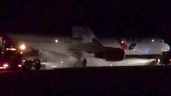 Жесткая посадка самолета Боинг 767-300 в аэропорту Барнаула