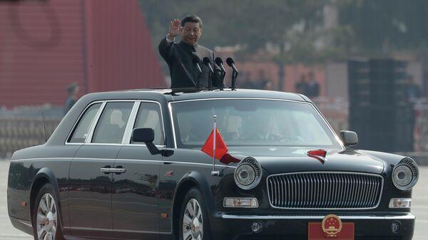 Си Цзиньпин на параде в Пекине в честь 70-летия образования КНР