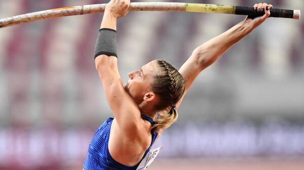 Российская спортсменка Анжелика Сидорова в соревнованиях по прыжкам с шестом среди женщин на чемпионате мира по легкой атлетике 2019 в Дохе.